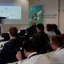 Vortragende und Zuhörer beim AvioSE'19 Workshop